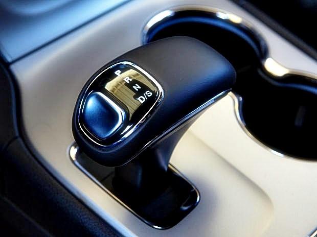 В США началось расследование по жалобам владельцев автомобилей Chrysler