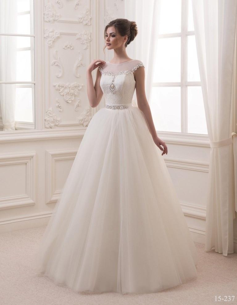 Прелестное свадебное платье