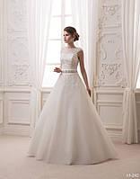 Пышное свадебное платье с бусинами и стразами, фото 1