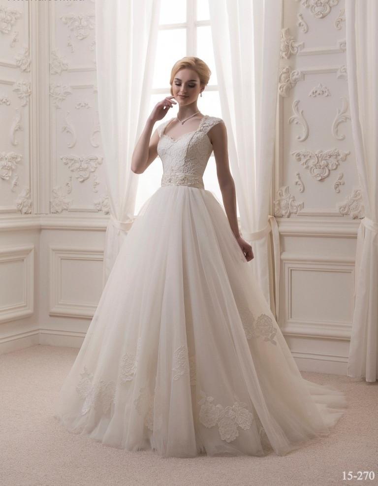 Свадебное платье с красивой юбкой