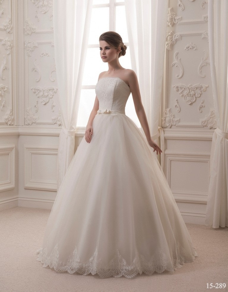8b5cfe249cc Классическое свадебное платье с бисером - Интернет-магазин ОДЁЖКА прямой  поставщик в Одессе