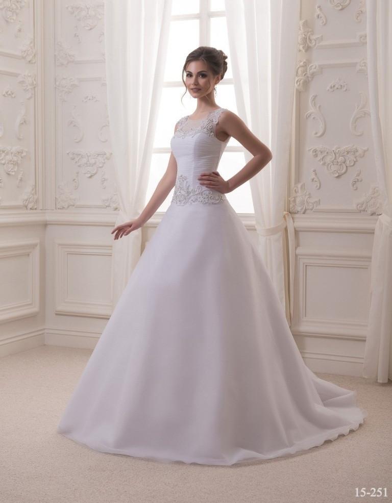 Утончённое свадебное платье
