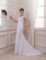 Прямое свадебное платье с чудесным шлейфом