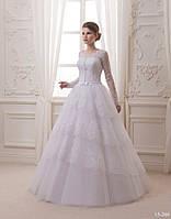 Кружевное свадебное платье с пышной юбкой