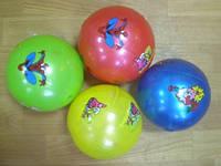 Мячик игровой с футбольным рисунком. Диаметр - 20 см. Вес - 100 грамм.