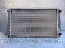 Радиатор охлаждения  (размер 322*525)  б/у на VW Golf 3, VW Vento 1.8 год 1993-1999