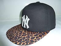 Кепка с леопардовым козырьком NY