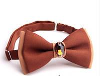 Бабочка галстук коричневая с камнем Версаче