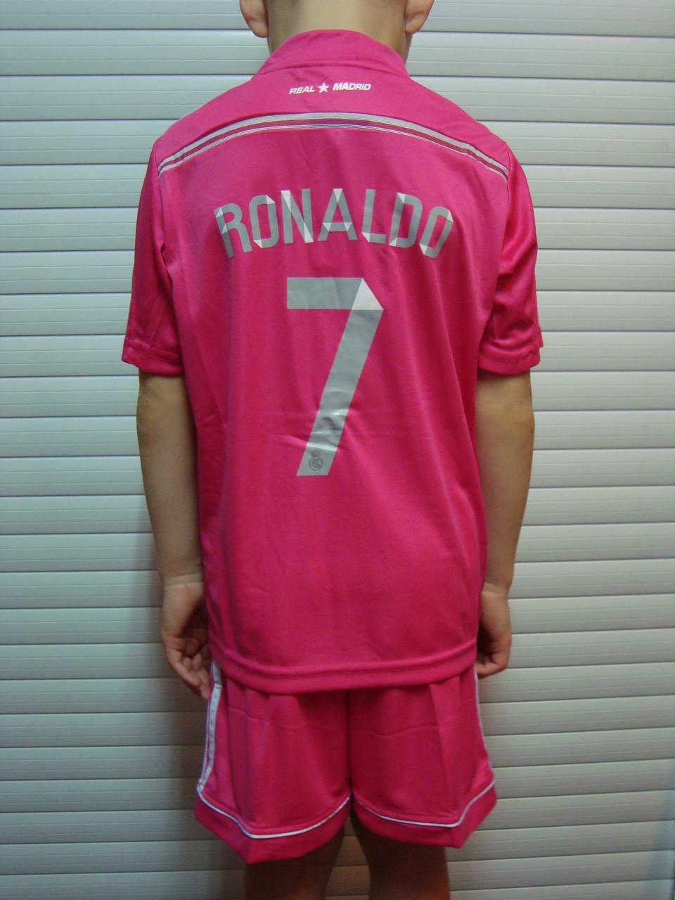 Футбольная форма Реал Мадрид розовая безномерная. Розовый Реал Мадрид  С  домашним вариантом все изначально было понятно, ... cc804a2d68f