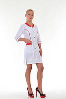 Женский медицинский халат на кнопках с цветными вставками