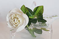 Роза с шоколадной конфетой