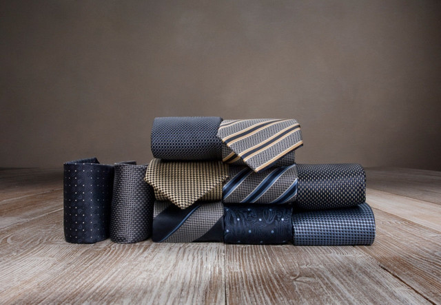 Как носить галстук: 10 золотых правил