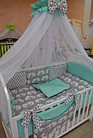 """Постель в детскую кроватку """"Лисички-сестрички"""" с мятным горошком."""