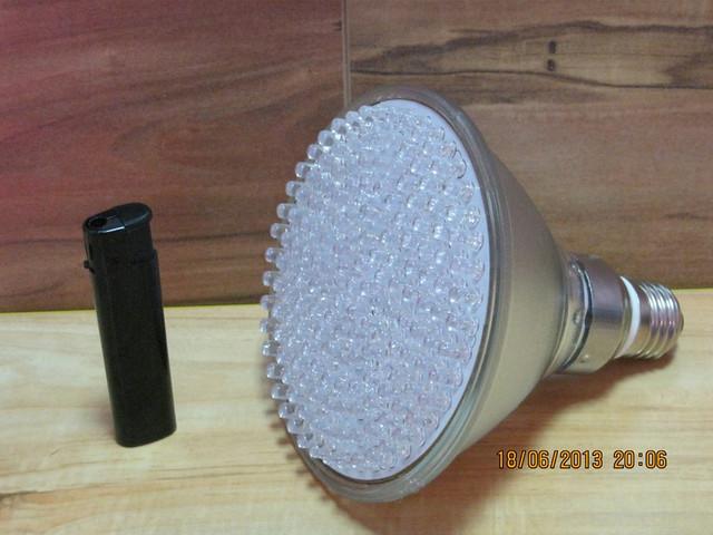 Светодиодная фито лампа для быстрого роста растений 10Вт/168 LED.