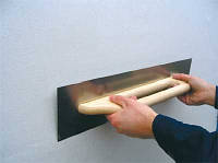 Шпаклевка стен и потолков под обои
