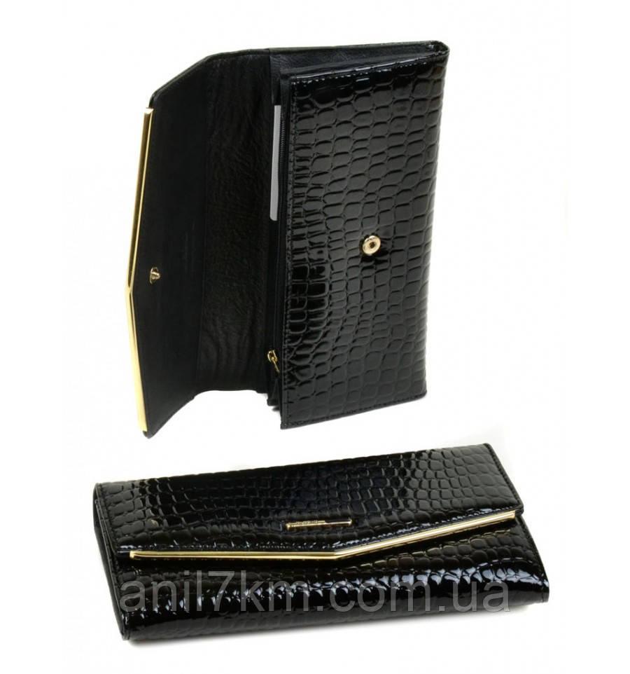 Женский лаковый кошелёк фирмы Dr.BOND