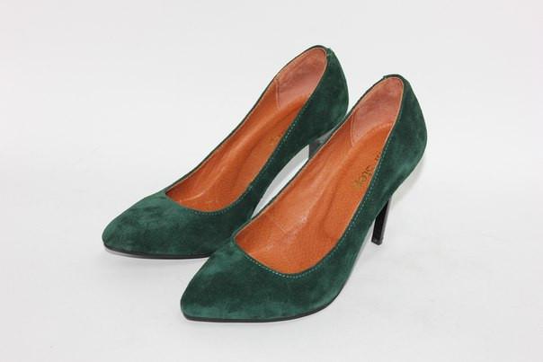 Жіночі туфлі човники з натурального замша зеленого кольору