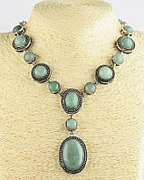 Ожерелье с камнем нефрит