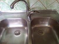 Как отмыть кухонную мойку из нержавейки?