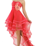 Нарядное платье на корсете со шлейфом