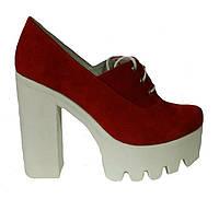 Женские туфли на платформе красная замша