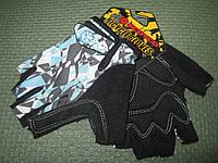 Перчатки с обрезанными пальцами
