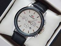 Мужские (Женские) кварцевые наручные часы Tissot на кожаном ремешке с датой