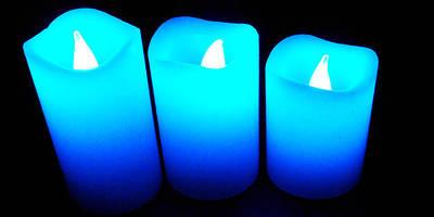 Свечи в бокале и свечи с диодами