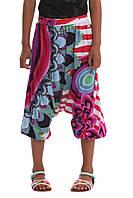 Низ лето бермуды штаны с матней, на резинке,яркий орнамент дев. сиреневый,голубой,красный 100% вискоза 41P3060