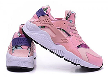 Женские кроссовки Nike Huarache розовые сеткой