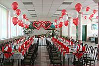 Свадебное оформление зала в красно-белом цвете