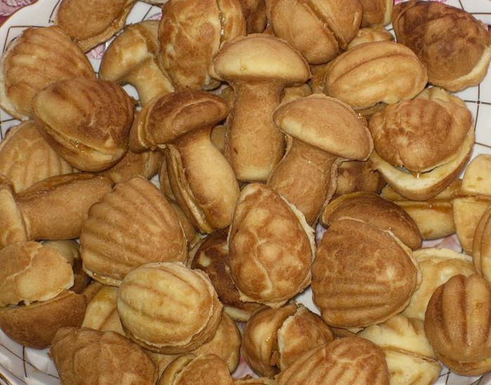 фото готового печенья ассорти из формы вид сбоку