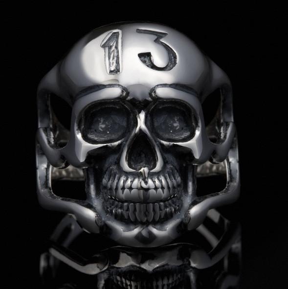 Серебряное байкерское мужское женское унисекс кольцо перстень для байкера череп гонщик Тринадцатый 18400 ст