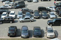 Где поставить свой автомобиль: плюсы и минусы разных вариантов парковки