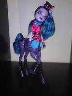 Кукла монстер хай Авиа Троттер (Avea Trotter) из серии Монстрические мутации