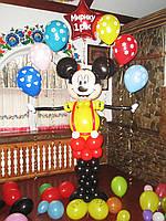 Оформление воздушными шариками в стиле Микки Маус на День рождения. Готовое решение.