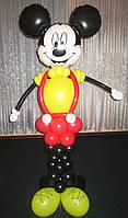 Фигура Микки (Минни) Маус из мультфильма с букетом и циферкой из шариков на День рождения