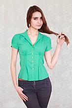 Модная блузка с коротким стильным рукавом мятного цвета.