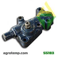Клапан снижения давления правый КПП Т-150 150.37.064-3