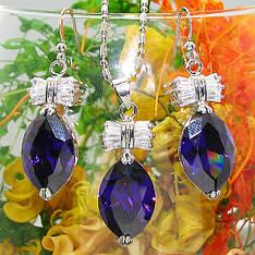 Жіночий комплект біжутерії (кольє, сережки) фіолетові камені (муассанит) біла позолота
