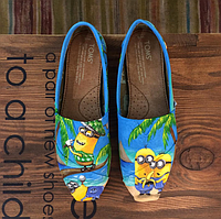 Женские TOMS  Minions Playing Golf On The Beach