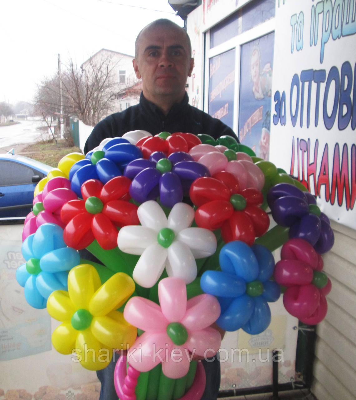 Большой букет из шариков Ромашки разноцветные