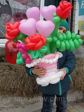 Корзина цветов (букет) из шариков Розы, сердечка, на 8 марта, на День рождения , фото 3
