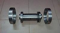 Вал ролика с крышками ОГМ-1,5