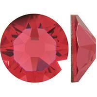 Алый   Indian Pink Стразы Swarovski (Размер 10ss; Тип_нанесения Клей E6000)