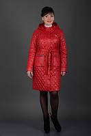Стильное  стеганное демисезонное пальто с поясом