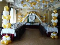 Сердце из воздушных шаров на свадьбу