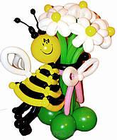 Букет из шариков Пчелка с ромашками на День Рождения