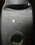 Рычаг натяжителя приводного ремня 074903308A на VW Transporter 4  1993-2003 год, фото 2