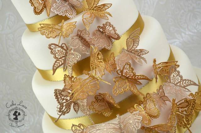 Украшение торта кондитерскими изделиями